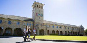 Học bổng Cử nhân ngành điều dưỡng Đại học Công giáo Úc